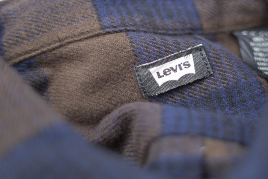 Levi's® Skate Reform Shirt Inside Neck Detail